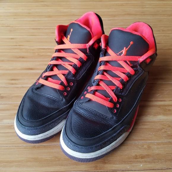 6039ba4c11f518 Jordan Other - Nike Air Jordan Retro III Crimson Basketball Shoes